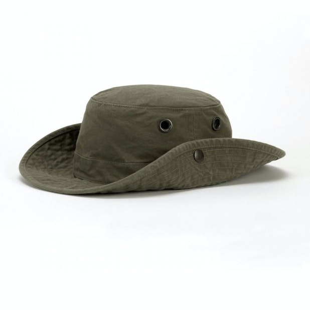 Tilley T3W Medium Brim Washed Hat - Lightweight sun protection hat with distressed wash effect.