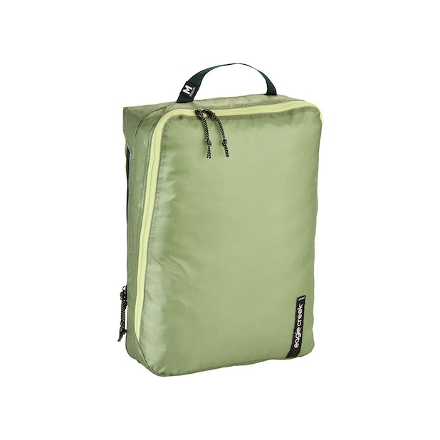 Eagle Creek Pack-It Isolate Clean/Dirty Cube Medium - Eagle Creek – Anti-Microbial, ultra-lightweight packing solution for active use.