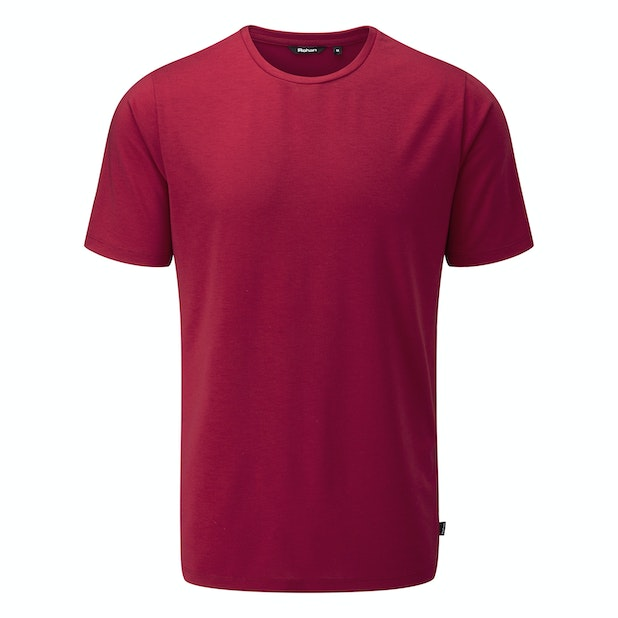 Newtown T - Trimmer fit active-T with a casual, everyday appearance.