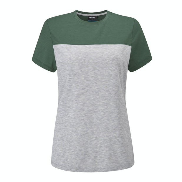 Originals T  - Classic styling on a technical base layer T-shirt.