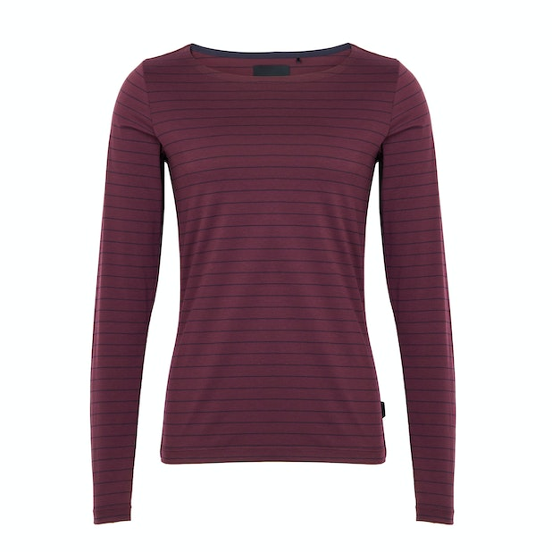 Shoreline Top - A stylish base layer with a flattering scooped neck