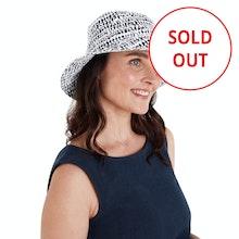 On Body - Practical, stylish linen hat.