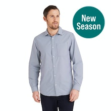 On Body - Smart, crease-resistant, quick-drying travel shirt.