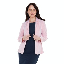 On Body - Cool, lightweight and crease-resistant linen blend jacket.